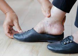 Cuidado de pies en personas mayores